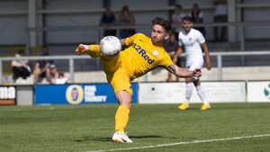 DK Flyde v PNE, Sean Maguire yellow kit (1)