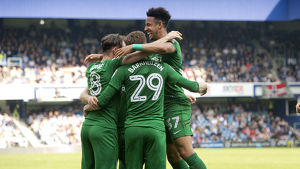 QPR v PNE Callum Robinson Goal Celebration, group (2)